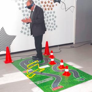 Parcours préventif à utiliser avec des lunettes de perturbations. Idéal pour un atelier de prévention aux risques routiers.