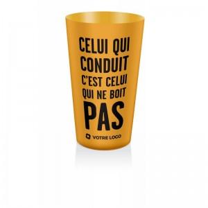 gobelet doseur d'alcool orange, accessoire de prévention aux dangers de l'alcool
